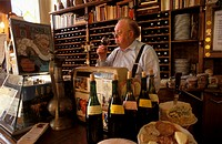 Robert Cointepas, sommelier at