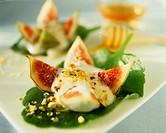Figs with honey yoghurt