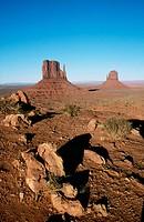 Monument Valley Navajo Tribal Park. Utah/Arizona, USA