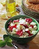 Spicy melon salad with radicchio, courgettes and mozzarella