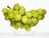 Grapes in glass bowl