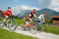 highland, family, bicycling,   NOT FREELY F. TOURISM AND TOURISM ADVERTISEMENT Parents, mother, father, children, boys, two, happily, family luck, lei...