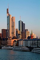 Germany, Hesse, Frankfurt on the Main, view at the city, bank quarter, landing place,  pleasure boat, twilight, Series, Europe, city, metropolis, Main...