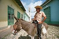 Cuba, Trinidad, Plaza mayor, senior, donkeys, rides, no models alley, people, man, Cubans, release, Central America, straw hat, mount, usefulness-anim...