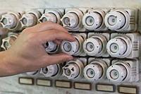 Circuit breaker box, old, detail, Schraubsicherung, porcelain, pedestals, porcelain-protection, hand, men´s-hand, man, screws, one-turns, 06/2006