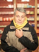 Pharmacy, man, scarf, sick, semi-portrait, catches cold pharmacy, stores business salesroom people customer, patient, 50-60 years, winter-clothing, co...