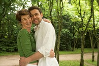 Park, pair, embrace, falls in love smiles, semi-portrait, series, people, 30-40 years, love-pair, gaze camera love affection tenderness proximity, hap...