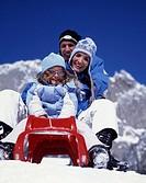 winter, Famile, parents, child, fun, joke, joy, sledge, sleigh, plastic sledge, sled, sledging, winter sports, mountai