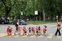 Canada, Montreal, rue de Brebeuf, day care students cross street, teacher, rope, field trip, Parc Sir Wilfred_Laurier,