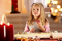 Christmas, girl, eat candy, bakes, cutters, dough, places, candles, semi-portrait, series, Christmas time, Advent, people, 5-7 years, blond, long-hair...