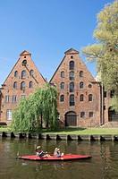 Canoe, on, river, town, Trave, old, salt, warehouses, Lubeck, Schleswig-Holstein, Germany, Kayak, Lübeck,