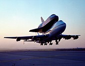 NASA´s 747 Shuttle Carrier Aircraft No. 911, with the space shuttle orbiter Endeavour securely mounted atop its fuselage, begins the ferry flight from...