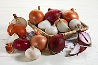 Still life: Onions. White, yellow and red bulbs