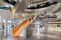 MERCEDES MUSEUM, MERCEDESSTRASSSER 100, STUTTGART, GERMANY, UN STUDIO BEN VAN BERKEL AND CAROLINE BOS, INTERIOR, ´FACINATION OF TECNOLOGY´ GALLERY STA...