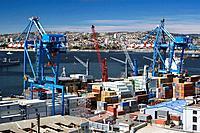 Container port barrio puerto. Valparaiso. Chile.
