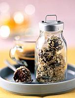 Chocolate truffles with oatflakes