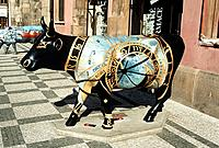 Model of a cow depicting the astronomical clock on a pavement, near town square, Prague, Czech Republic Date: 02 04 2008 Ref: ZB362_111810_0050 COMPUL...