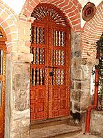 peru cuzco old wooden door sculpture