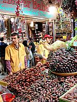 turkey people working on a grocery food store