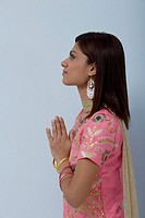 Young woman dressed in traditional Indian clothing salwar kameez