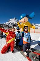 Ski course for children with mascot, Siggi, Galtuer, Tyrol, Austria, Europe