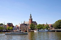 Ship in the port, City Hall and City Weigh House, Leer, East Frisia, Lower Saxony, Germany, Europe