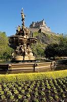 Ross fountain and Edinburgh Castle  Edinburgh  Scotland  U K