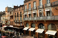 Street at the market hall, old part of town, Toulouse, Midi-Pyrenees, Haut-Garonne, France