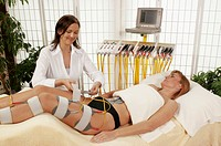Muscle stimulation with electrodes