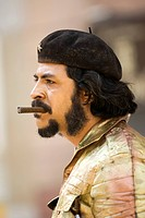 Road artist as Che Guevara