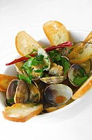 Steamed Manila Clams with Garlic Toast