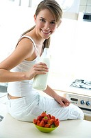 woman drinking fresh milk