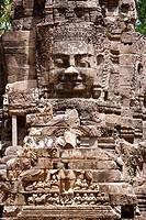The smiling stone face of Avalokiteshvara in the Bayon temple