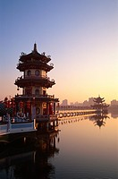 Taiwan, Kaohsiung, Lotus Lake, Spring and Autumn Pavilions