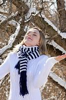 Woman winter snows.