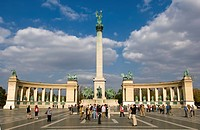 Tourists at monument, Millennium Monument, Heroes´ Square, Budapest, Hungary