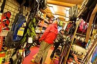 shopping, courmayeur, valle d´aosta, italia