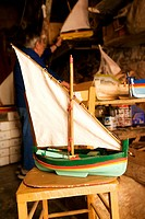 France, Pyrennees Orientales, Collioure, fabrication of Catalan small boat model, Louis Baloffi
