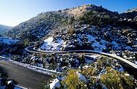France, Vaucluse, Luberon, Route D943, La Combe de Lourmarin