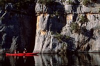 France, Alpes_de_Haute_Provence, Canoeing in the lower parts of the Verdon canyon