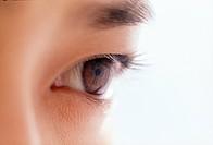 Close_up of a human eye