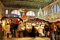 Zuerich, main station, christmas decoration, interieur