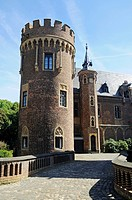 Towers, Schloss Paffendorf castle, moated castle, Bergheim, Rhineland, North Rhine-Westphalia, Germany, Europe