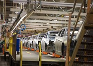 Sterling Heights, Michigan - Assembly line for the 2007 Chrysler Sebring sedan at DaimlerChrysler´s Sterling Heights Assembly Plant