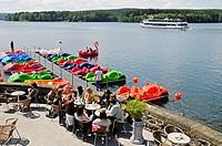 Cafe, restaurant, people, shore, boat trips, boat, recreation, Moehnesee lake, Moehne, reservoir, dam, North Rhine-Westphalia, Germany, Europe