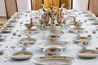 Schloss Moritzburg Castle, interior, Dining Hall, Red Dragon dinner service from Meissen Porcelain, Dresden, Saxony, Germany, Europe