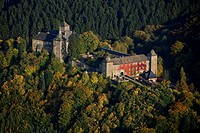 Aerial photo, Burg Schnellenberg, Schnellenberg Castle, autumnal forest, Attendorn, Sauerland, North Rhine-Westphalia, Germany, Europe