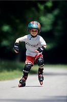 Boy 4_5 inline skating
