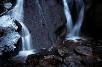 Ice & waterfall inside the Burn O´ Vat
