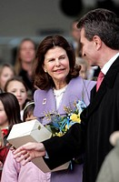Queen Silvia of Sweden is welcomed by Wuerttembergs Prime Minister Guenther Oettinger at Stuttgart Airport, Stuttgart, Germany